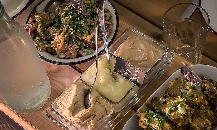 8 ארוחת שף ואירוח לאירועים קטנים בביתו של שף שימי סרן, מושב כסלון