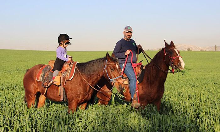 5 חוות צהלה - רכיבה על סוסים
