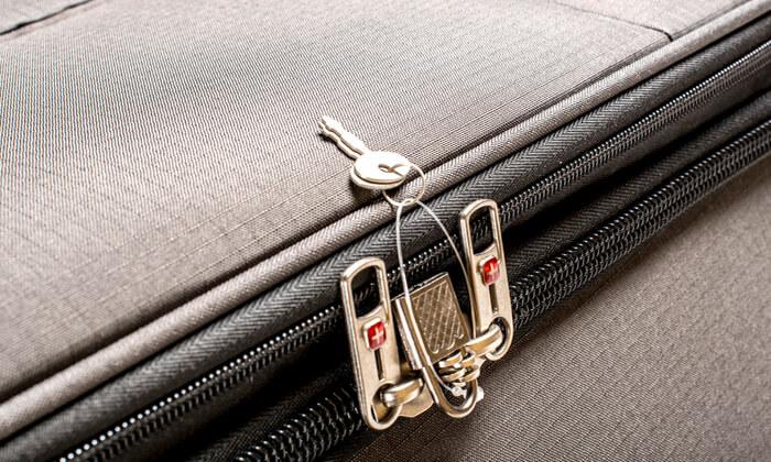 12 מזוודה משפחתיתSWISS LITE בגודל 32 אינץ'