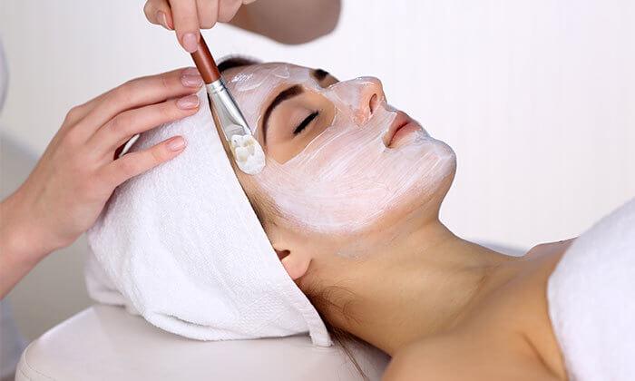 2 טיפול פנים אצל הילה שטרן, קוסמטיקאית פרא-רפואית בלוד
