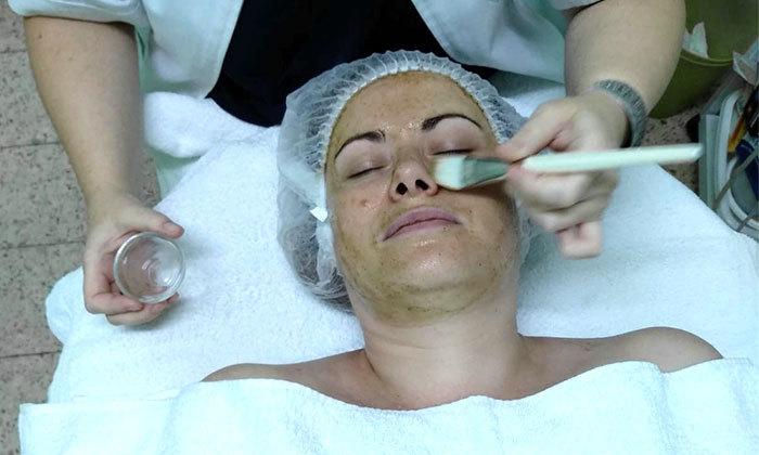 4 טיפולי פנים במרכז לטיפוח יופי וקוסמטיקה מתקדמת, ראשון לציון