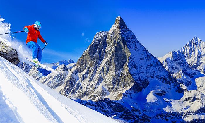 4 מקדימים להזמין: חופשה בבנסקו - סקי, חיי לילה, קזינו וספא