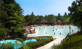 חגים באגם גארדה, כולל פארק מים