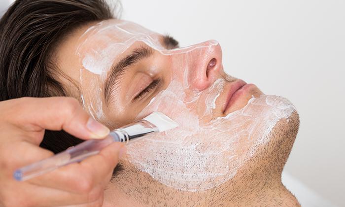 2 טיפולי פנים לגברים ב-Monicas, חולון
