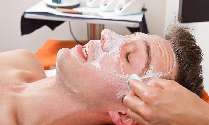 4 טיפולי פנים לגברים ב-Monicas, חולון