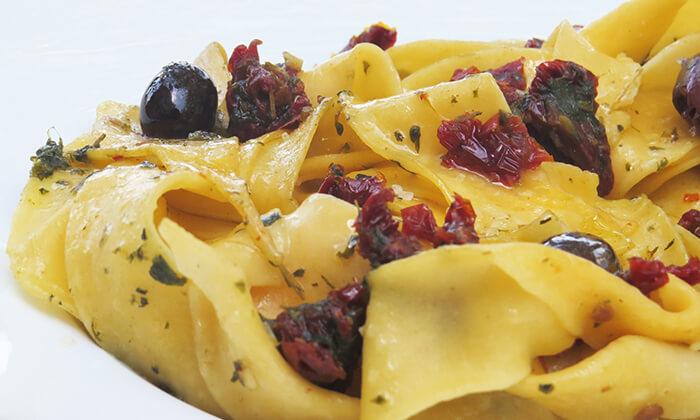 7 ארוחה זוגית איטלקית בבית הקפה נושה, פתח תקווה