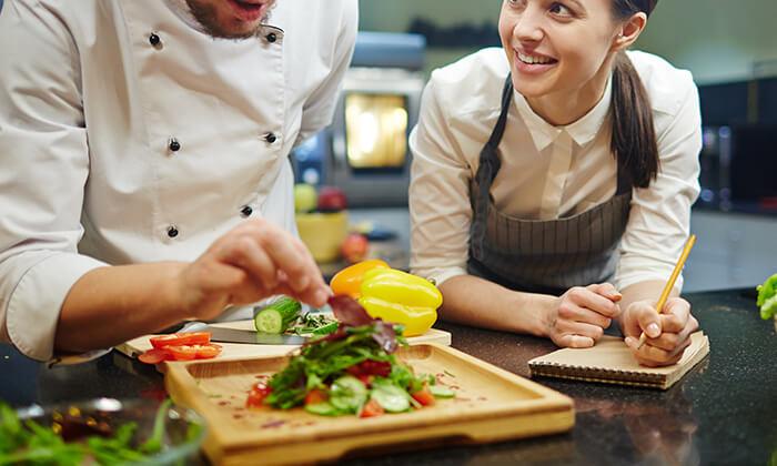 3 שיעורי בישולעם שף פרטיעד הבית - מבשלים באהבה