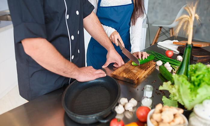 2 שיעורי בישולעם שף פרטיעד הבית - מבשלים באהבה