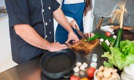 שיעורי בישולעם שף עד הבית