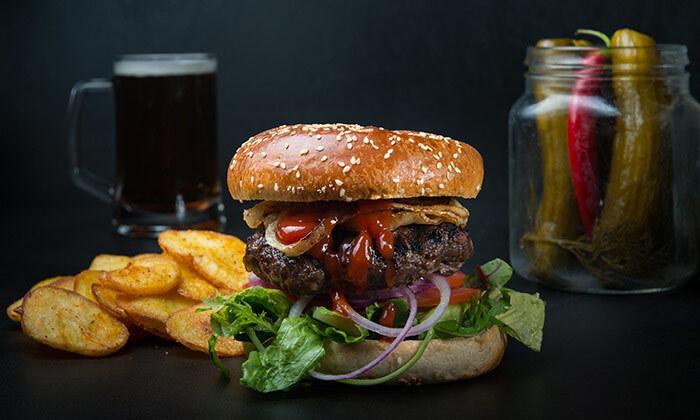 4 ארוחת המבורגר זוגית בלונדון רסטו-קפה, טיילת הרברט סמואל