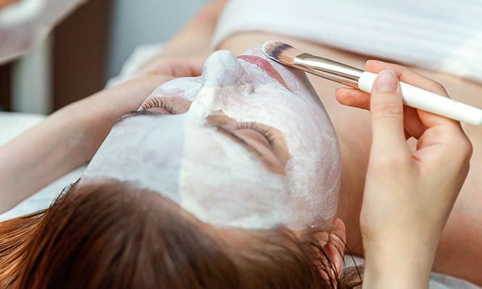 4 טיפולי פנים בקליניקת VK Cosmetics, ראשון לציון