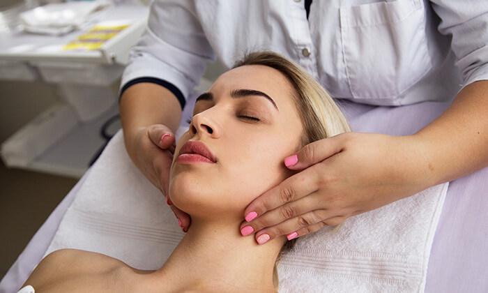2 טיפולי מיצוק העור והחלקת קמטים במרכז לעיצוב וחיטוב הגוף, נתניה