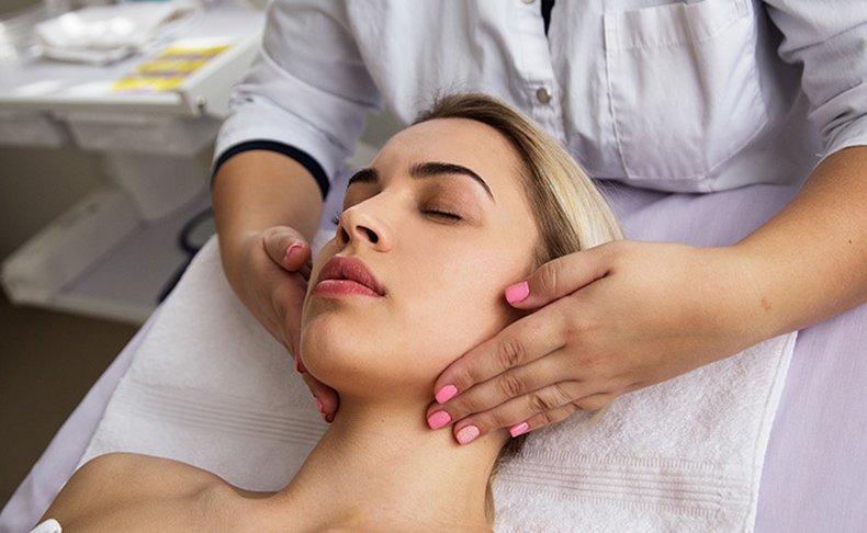 טיפולי מיצוק העור והחלקת קמטים