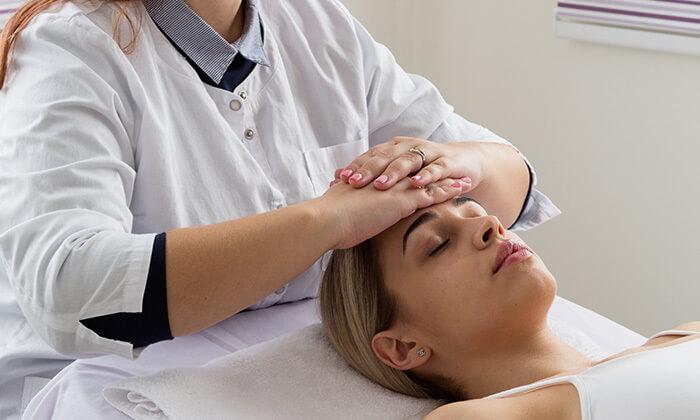 3 טיפולי מיצוק העור והחלקת קמטים במרכז לעיצוב וחיטוב הגוף, נתניה