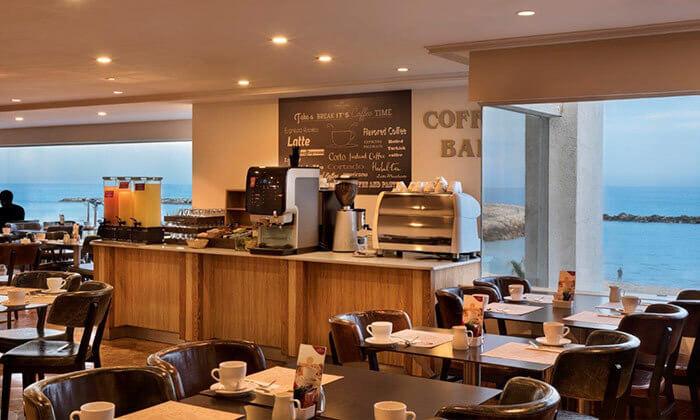 6 ארוחת בוקר במלון קראון פלזה, תל אביב