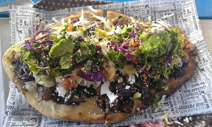 4 ארוחה בדוכן האוכל 'ג'ונאם', תל אביב