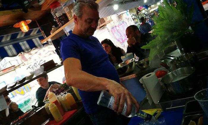 9 ארוחה בדוכן האוכל 'ג'ונאם', תל אביב