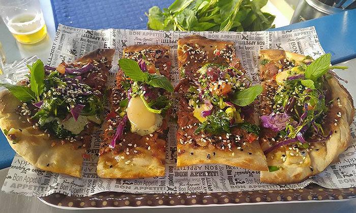 14 ארוחה בדוכן האוכל 'ג'ונאם', תל אביב