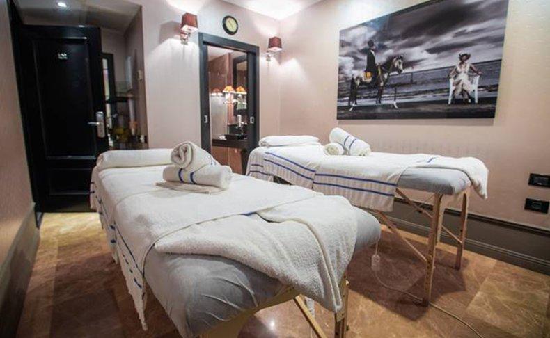 עיסוי זוגי במלון B ברדיצ׳בסקי