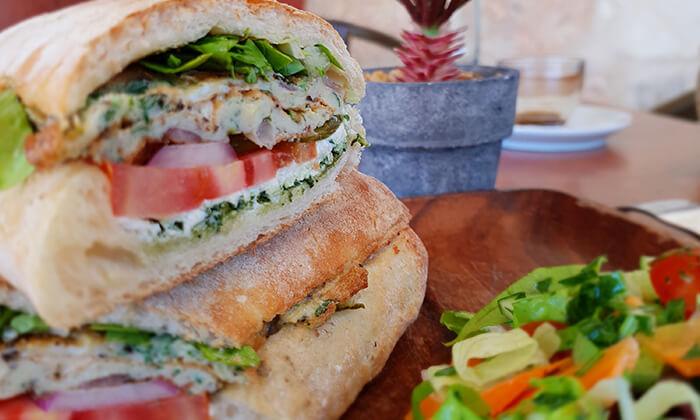 11 ארוחה זוגית ב-OAK BAR, המושבה הגרמנית חיפה