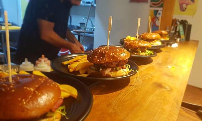 3 ארוחה זוגית ב-OAK BAR, המושבה הגרמנית חיפה