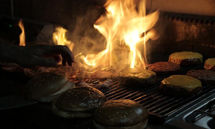 7 ארוחה זוגית ב-OAK BAR, המושבה הגרמנית חיפה