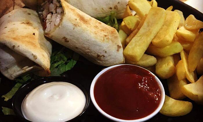 4 ארוחה זוגית ב-OAK BAR, המושבה הגרמנית חיפה