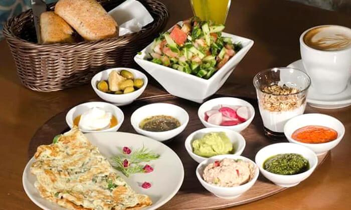3 ארוחת בוקר במסעדת ביילסאן, עכו