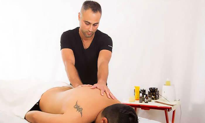 7 עיסוי בקליניקה לטיפול בכאב של דויד מירז, שכונת מונטיפיורי