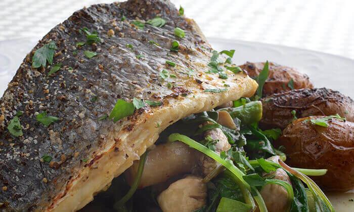 7 ארוחה זוגית במסעדת מונטיפיורי הכשרה מול חומות העיר העתיקה ירושלים
