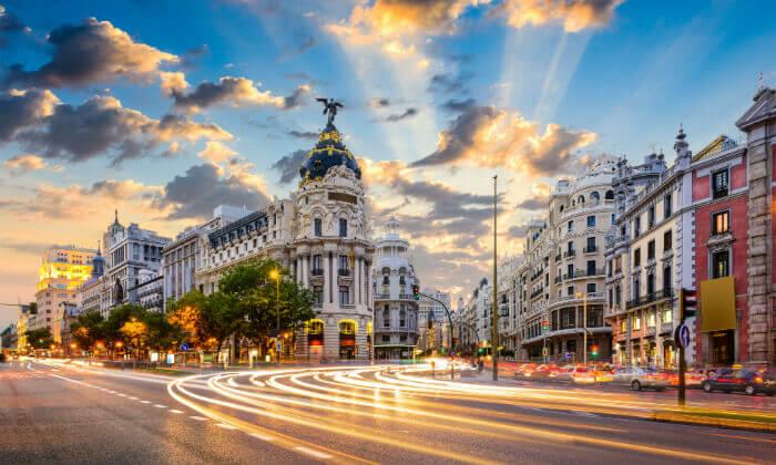 """4 חופשה במדריד, כולל סופ""""ש וחנוכה - מלון Leonardo המומלץ"""
