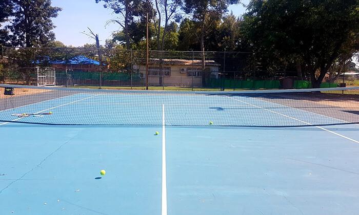 4 אימוני טניס לילדים ולנוער בבית ספר לטניס, נווה ימין