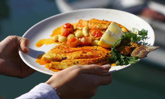 2 ארוחה זוגית במסעדת הדייגים הכשרה, נמל יפו