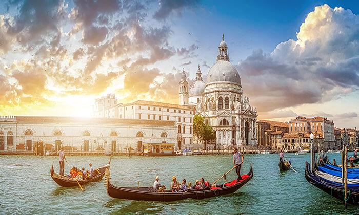 3 חופשה בוונציה, כולל פסטיבל המסכות