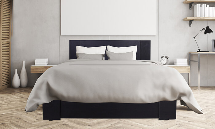 6  מיטת עץ עם מזרן