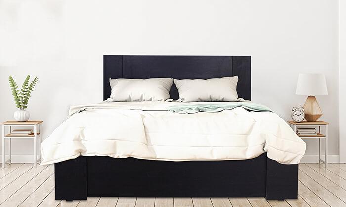 3  מיטת עץ עם מזרן
