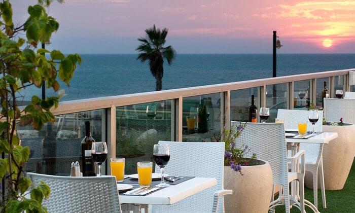 6 ארוחת שישי כשרה בסגנון בופה במלון לאונרדו פלאזה חיפה