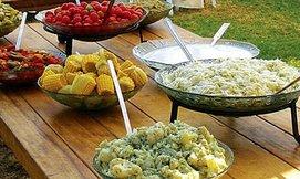 ארוחת צהריים כפרית בבית אורן