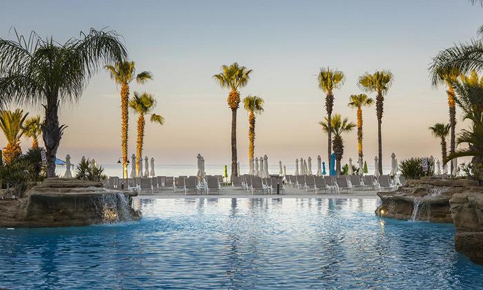 """8 סופ""""ש Black Friday בפאפוס, קפריסין - מלון הכול כלול"""