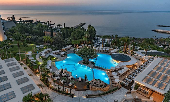 """2 חופשה בקפריסין במלון מפנק במיוחד, כולל סופ""""ש"""