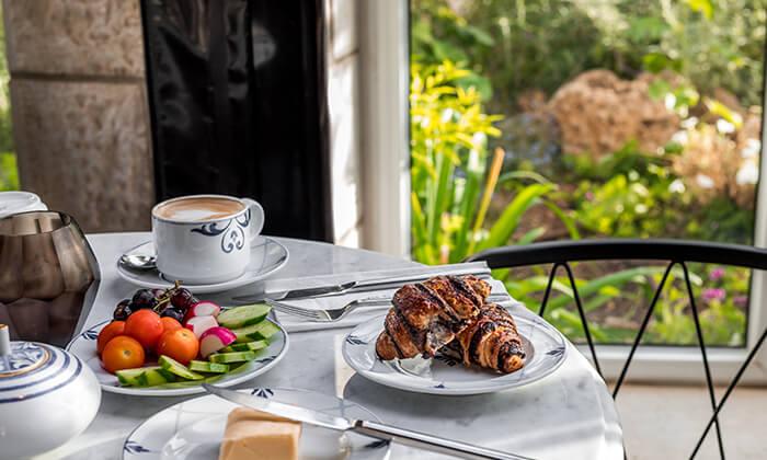 7 ארוחת בוקר בסגנון בופה במלון הבוטיק 'טריפ ירושלים בת שבע'