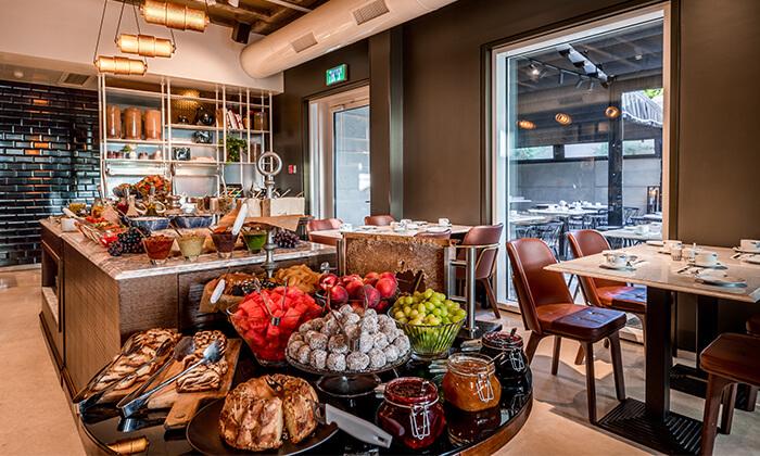 4 ארוחת בוקר בסגנון בופה במלון הבוטיק 'טריפ ירושלים בת שבע'