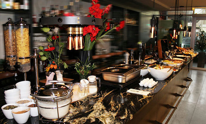 2 ארוחת בוקר בופה לזוג במלון אולטרה Ultra, הירקון תל אביב
