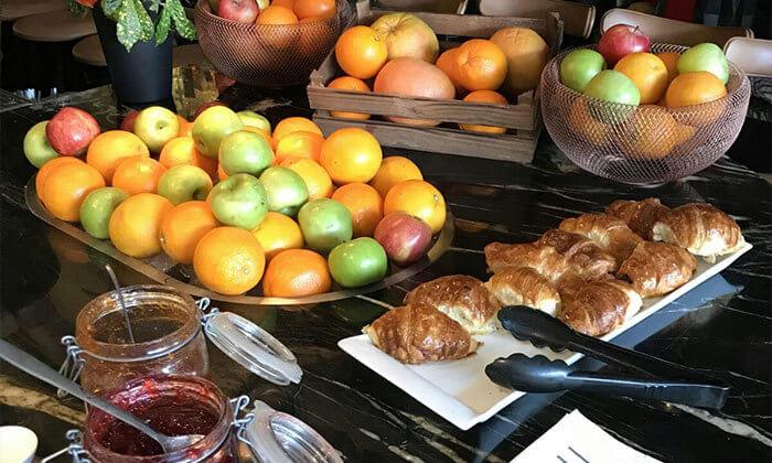 4 ארוחת בוקר בופה לזוג במלון אולטרה Ultra, הירקון תל אביב