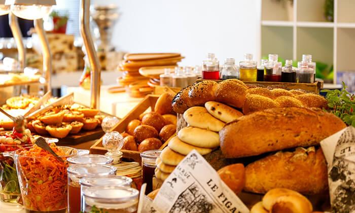 7 ארוחת בוקר בופה במלון דניאל, הרצליה פיתוח
