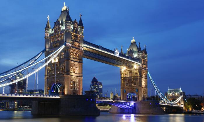 4 Spice Up Your Life! חופשה והופעה של ספייס גירלז בלונדון