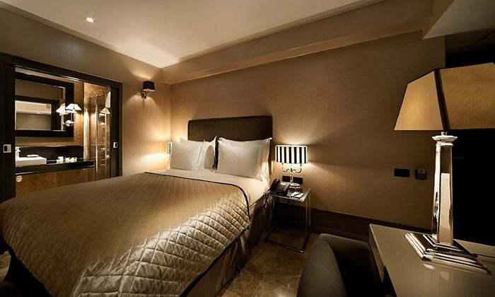 """8 חופשה במלון בוטיק B ברדיצ׳בסקי ת""""א, כולל עיסוי זוגי"""