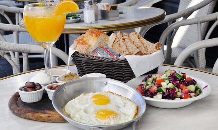 2 ארוחת בוקר זוגית בקפה-ביסטרו אוליב , בוגרשוב