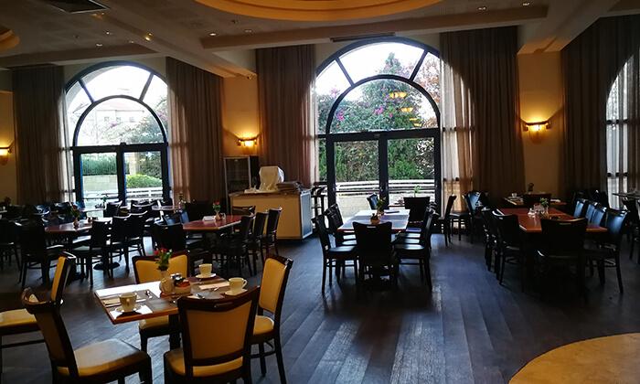 9 ארוחת בוקר בופה במלון לאונרדו ירושלים