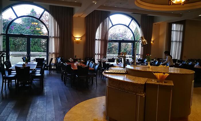 10 ארוחת בוקר בופה במלון לאונרדו ירושלים